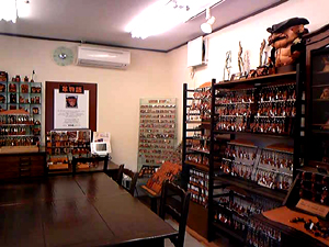 vancacraft_showroom_inside.jpg